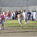 Acción de el partido en la yarda de San Quentín