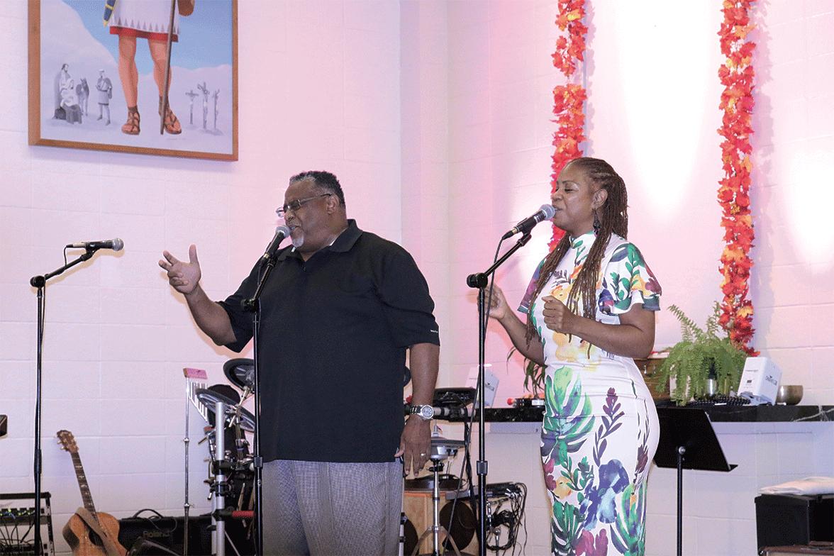 Former A.W. K.J. Williams and Debra Wynn singing gospelFormer A.W. K.J. Williams and Debra Wynn singing gospel